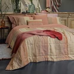 Quilted bedspread VERNISSAGE 270X270 red pink